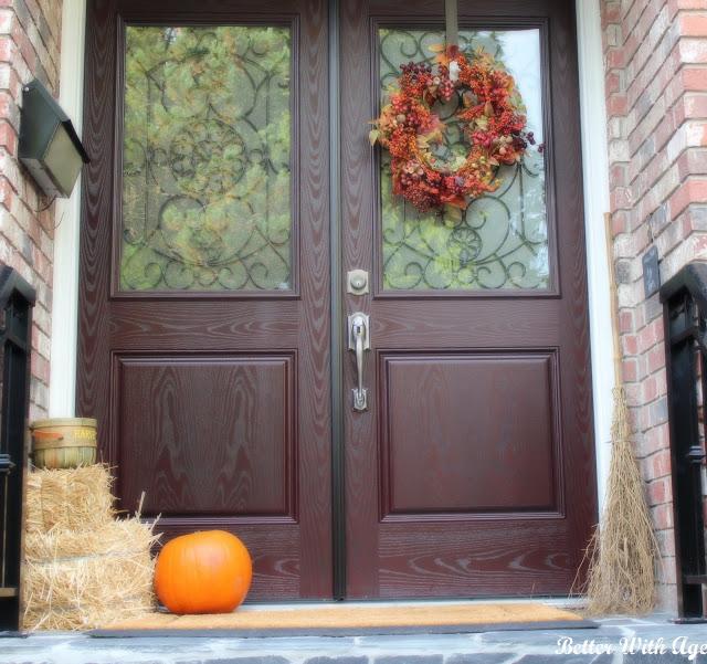 Fall front door www.somuchbetterwithage.com