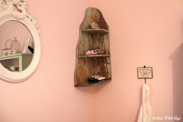 Nursery Room Reveal / Baby shoe shelf - So Much Better With Age
