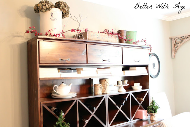 simple christmas decor www.somuchbetterwithage.com