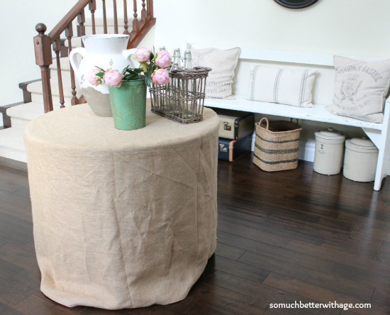 Howmake a burlap tablecloth / decorated table with burlap tablecloth in foyer - So Much Better With Age