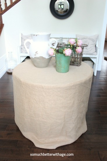 make a burlap tablecloth www.somuchbetterwithage.com