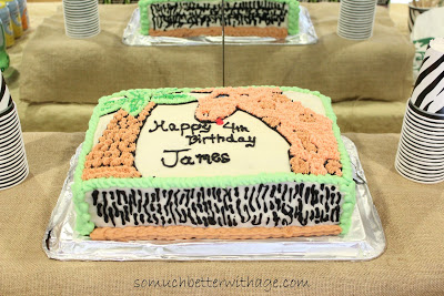 Safari birthday party / the birthday cake - So Much Better With Age