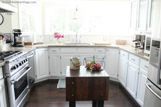 u-shaped kitchen somuchbetterwithage.com
