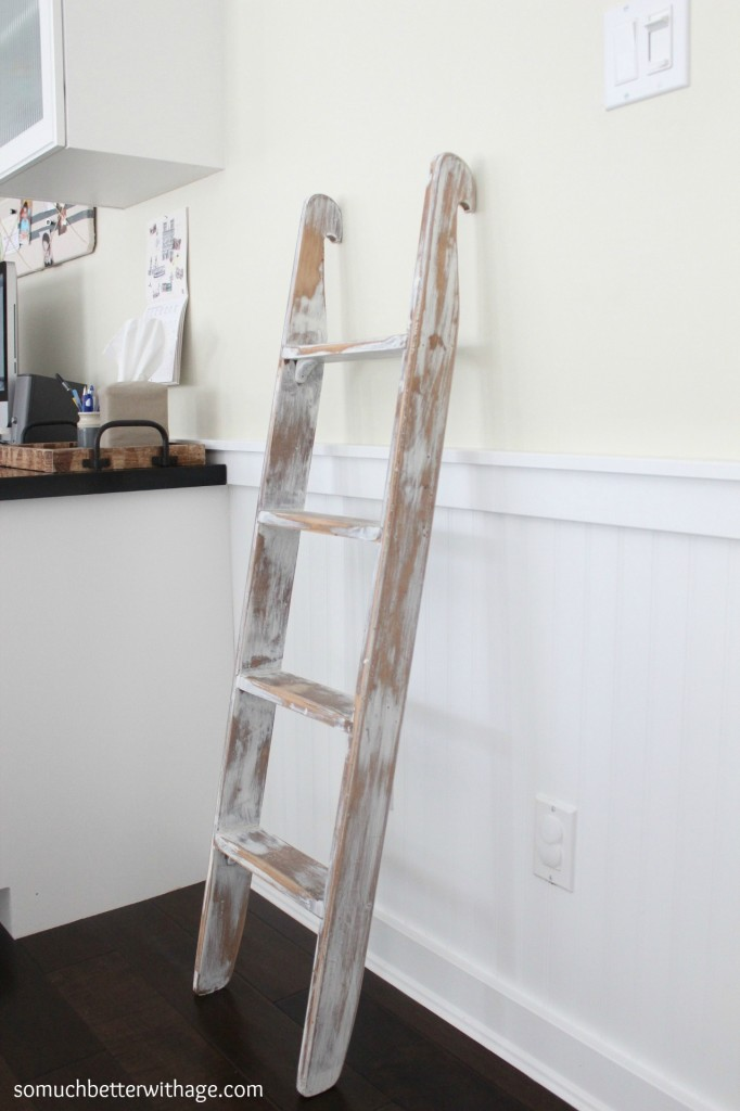 Old Ladders www.somuchbetterwithage.com #upcycle #ladder