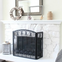 Easy Summer Mantel Update