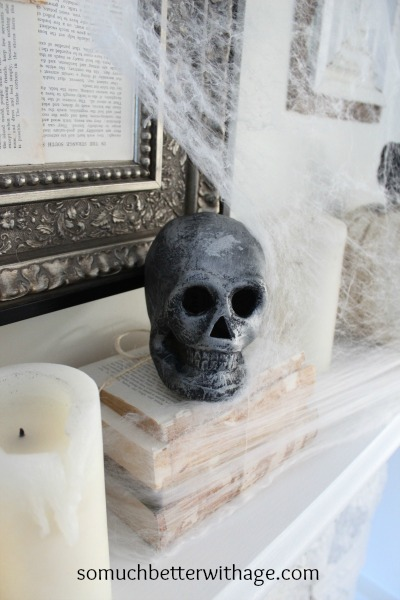 Easy last minute Halloween craft skulls / spooky skull - So Much Better With Age