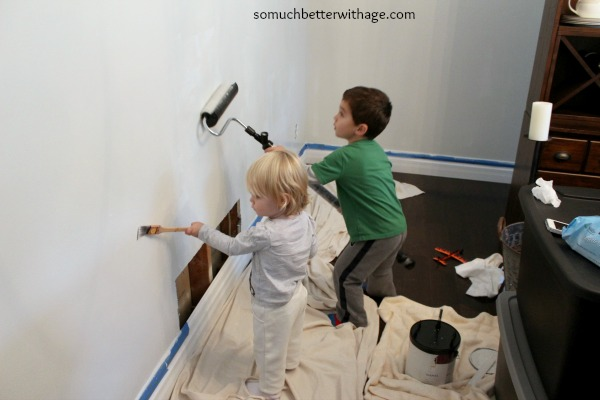 Kids helping mom paint www.somuchbetterwithage.com