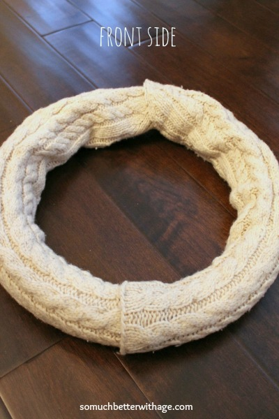 No sew wreath using sleeves of an old sweater / duct taping the sleeves - So Much Better With Age