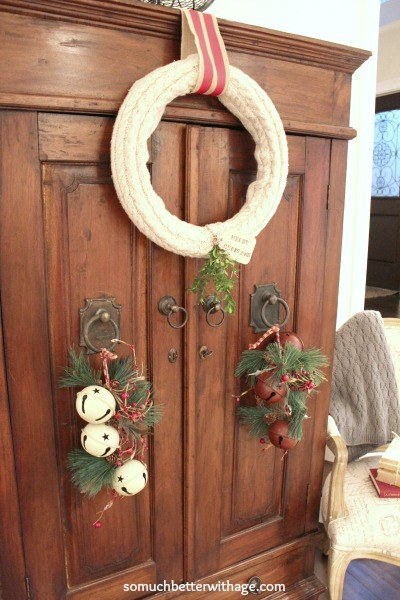 No sew old sweater wreath | somuchbetterwithage.com