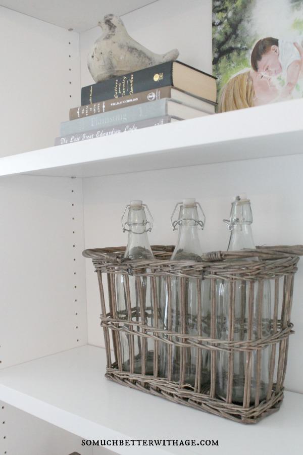 bookshelf styling somuchbetterwithage.com