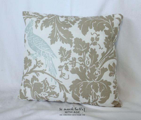 square-bird-pillow