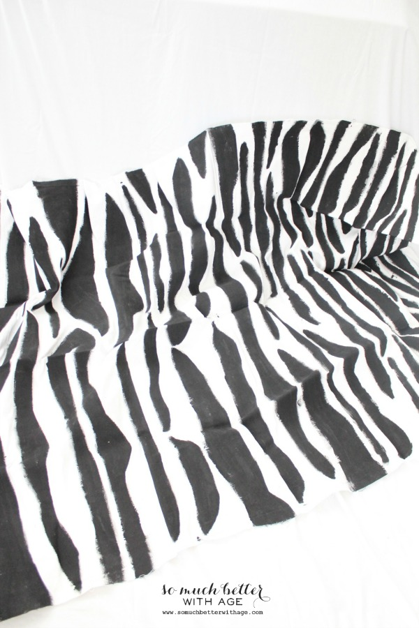 zebra-tablecloth