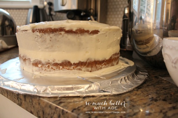 How to ice and decorate a cake like a pro / chilled cake with icing - So Much Better With Age