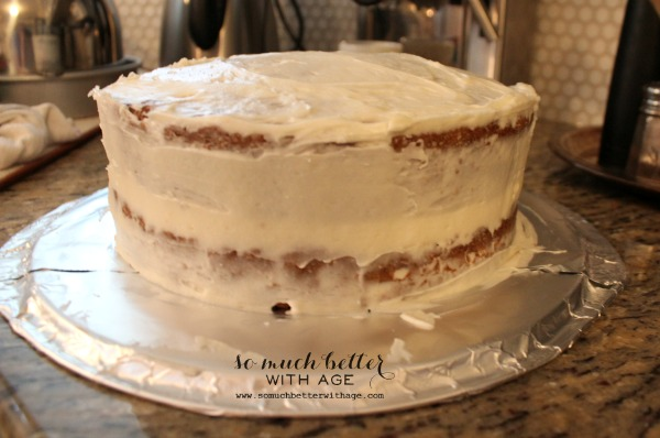 dirty ice / How to ice and decorate a cake like a pro / fully iced cake - So Much Better With Age