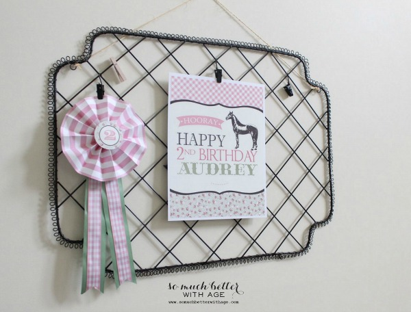 DIY / Horse show ribbons via somuchbetterwithage.com