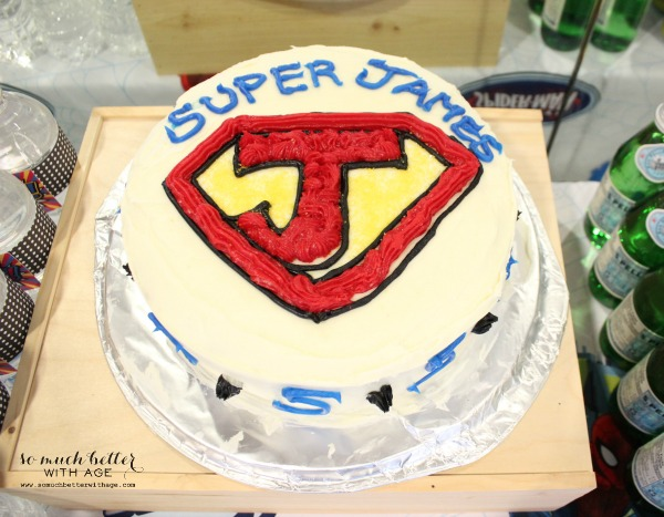 Super James superhero cake.