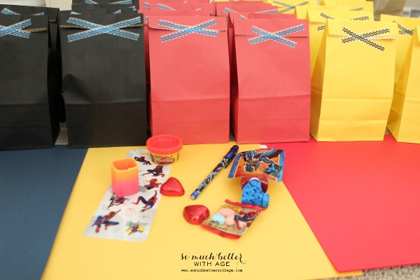 Goodie bags / Superhero birthday party somuchbetterwithage.com
