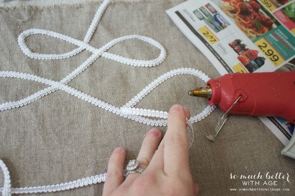 Hot glue cording / DIY faux embroidered lampshade via somuchbetterwithage.com