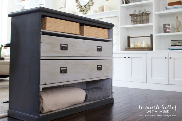 Dresser makeover with chalk paint / beautiful painted dresser - So Much Better With Age