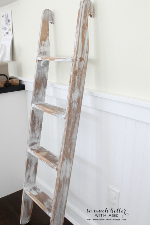 Old ladder artwork holder + my decorating style - So Much Better With Age
