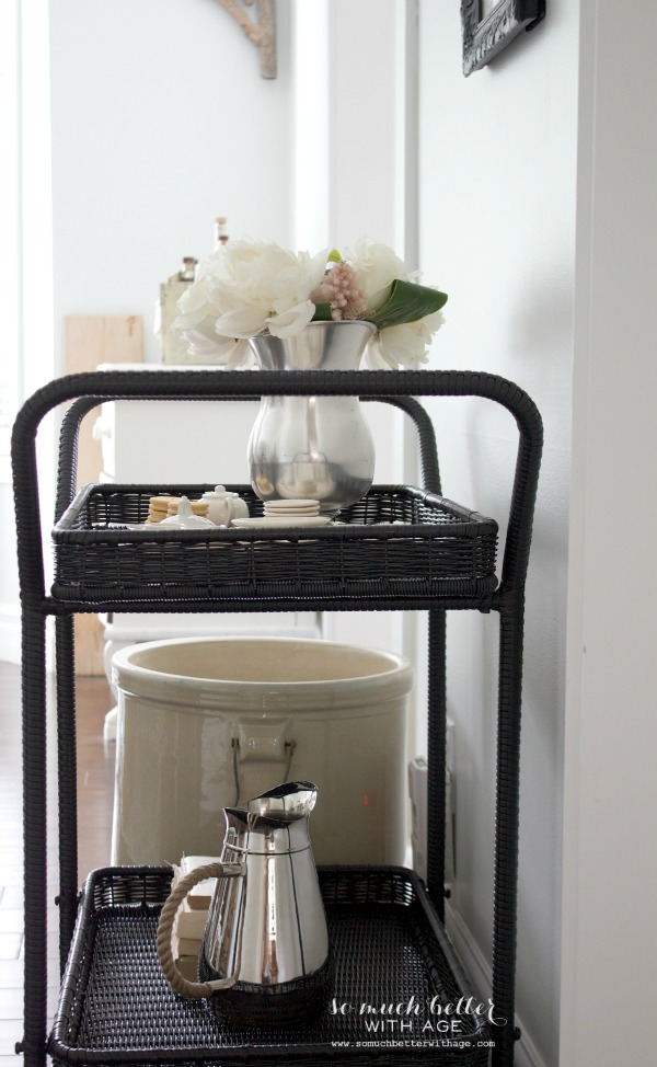 Wayfair serving cart / Serving cart styling via somuchbetterwithage.com