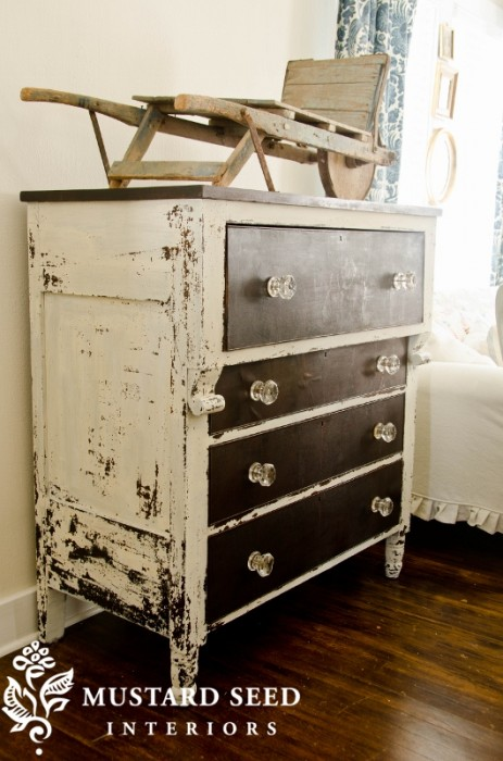 10 heavily distressed chippy furniture pieces / Miss Mustard Seed - So Much Better With Age