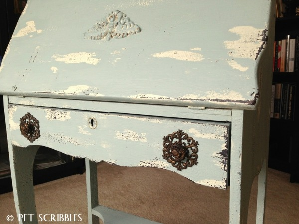 10 heavily distressed chippy furniture pieces / Pet Scribbles - So Much Better With Age
