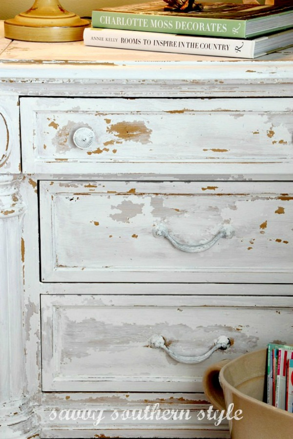 10 heavily distressed chippy furniture pieces / Savvy Southern Style - So Much Better With Age