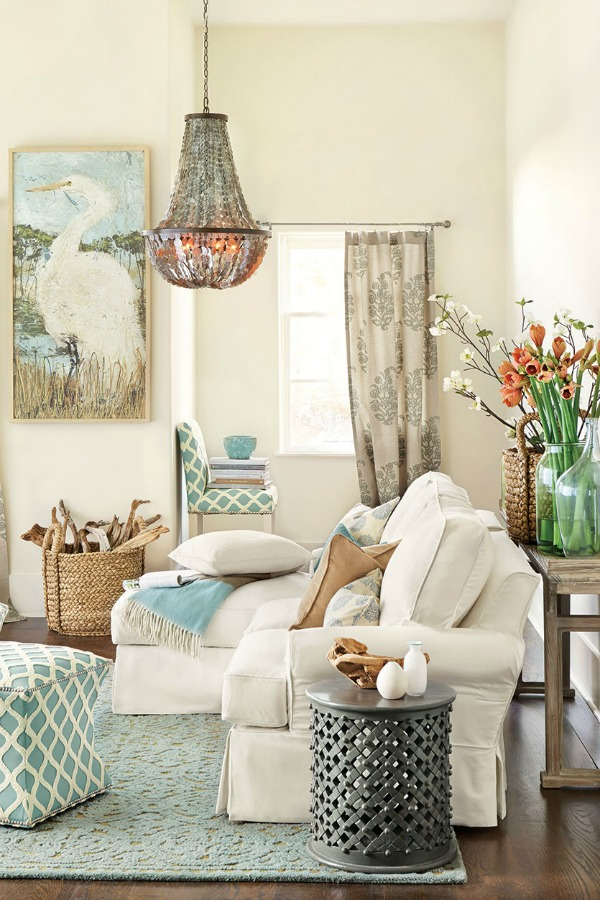 Beachy Decor Ideas / beautiful room decor - So Much Better With Age