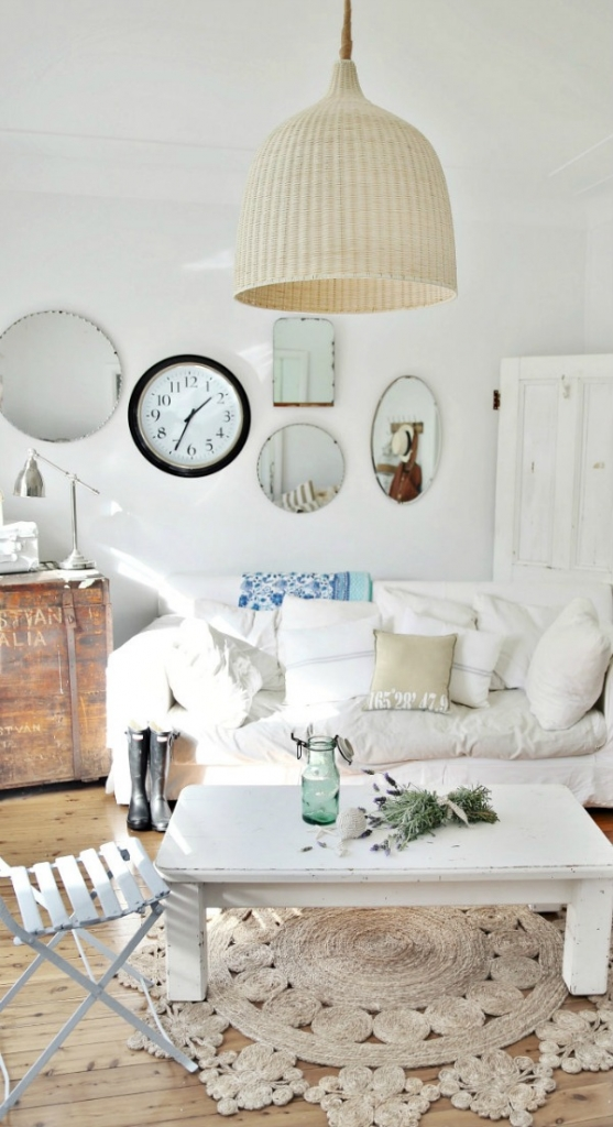 Beachy Decor Ideas / beach cottage - So Much Better With Age