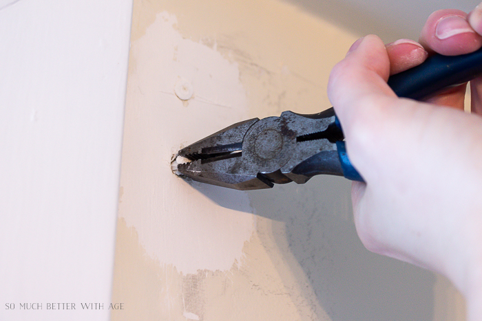 4 Ways to Remove Wall Anchors/pliers - So Much Better With Age