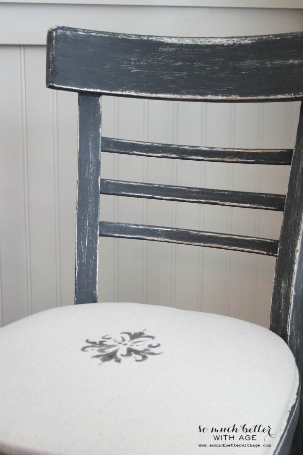 Chalk paint distressed chair by somuchbetterwithage.com