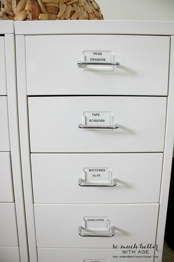 Junk drawer organization by somuchbetterwithage.com