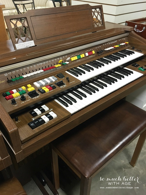 Old organ & junking day with blogger friends   somuchbetterwithage.com