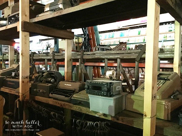 Old typewriters / Junking with blogger friends by somuchbetterwithage.com