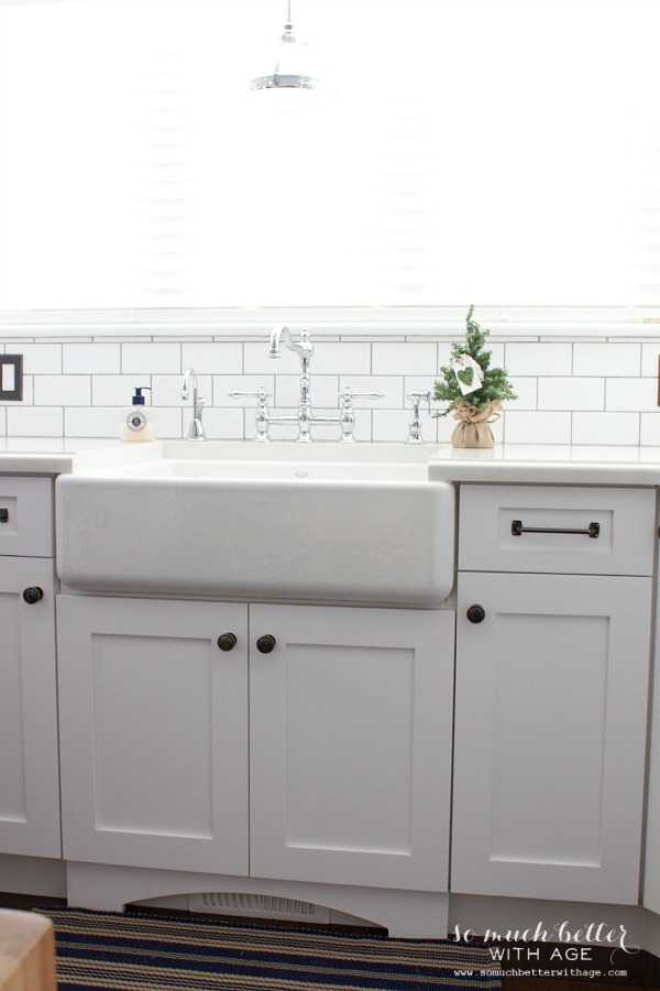 Farm sink in white kitchen | somuchbetterwithage.com