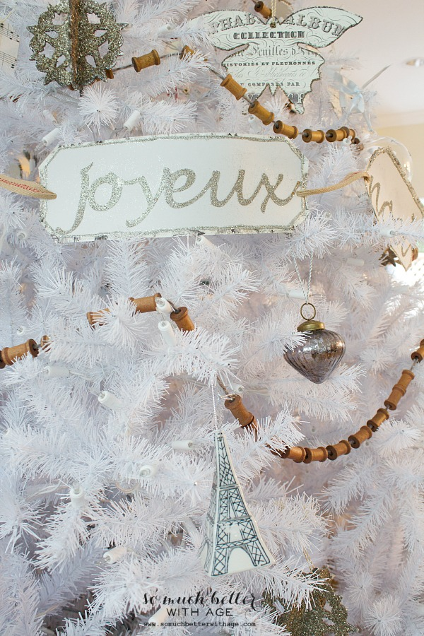 french-details-christmas-tree