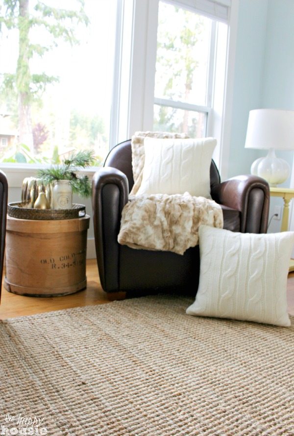 The Happy Housie / 15 Cozy Napping Spots by somuchbetterwithage.com