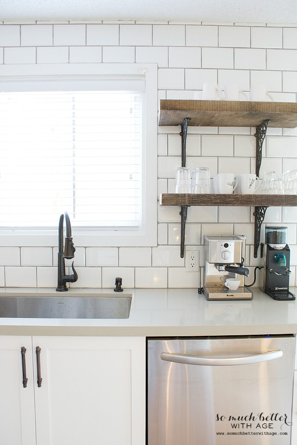 White subway tile / rustic shelves |somuchbetterwithage.com