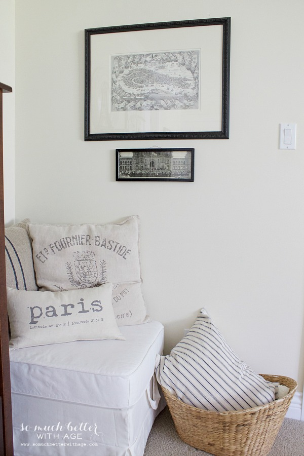Cozy spot in bedroom | somuchbetterwithage.com