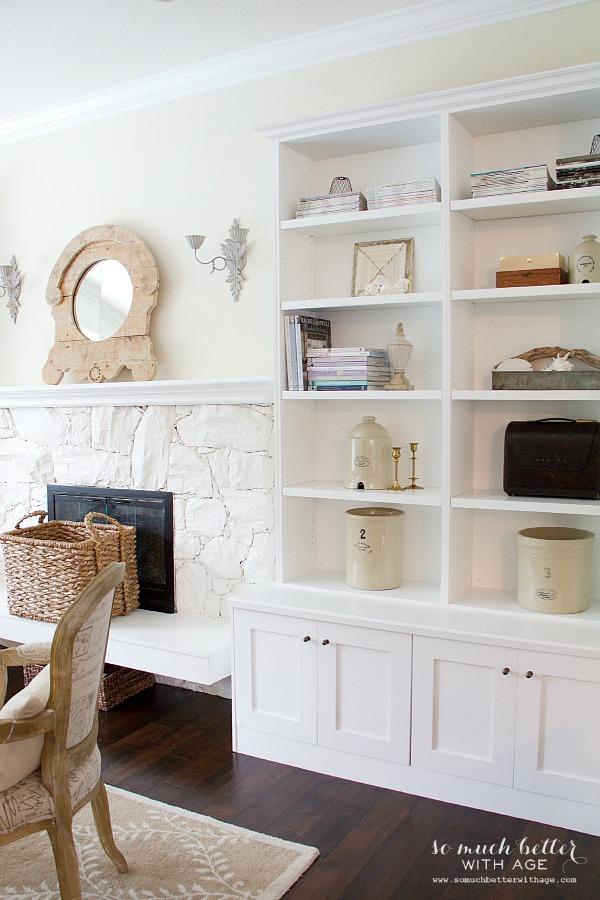 Restyling bookshelves | somuchbetterwithage.com