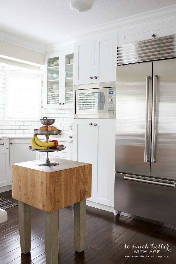 Butcher block in white kitchen | somuchbetterwithage.com