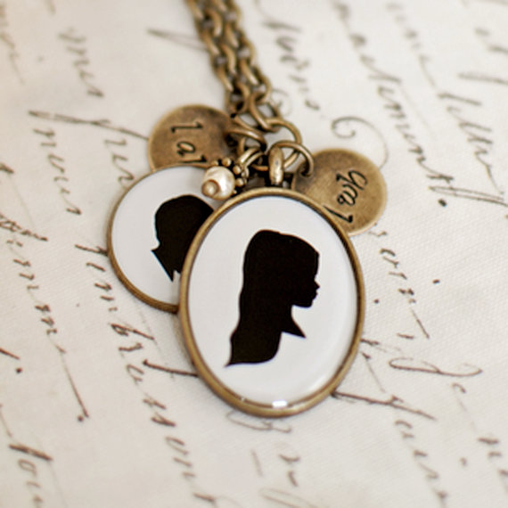 Silhouette necklace crafted by Kerstin.