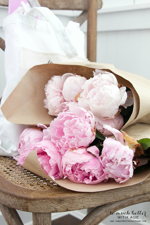 DIY Teacher Gift - Best Teacher Ever Tote / pretty pink peonies on chair - So Much Better With Age