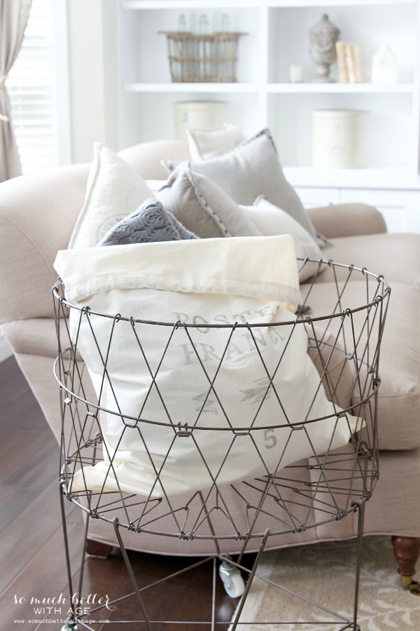 Laundry cart / French laundry bag | somuchbetterwithage.com