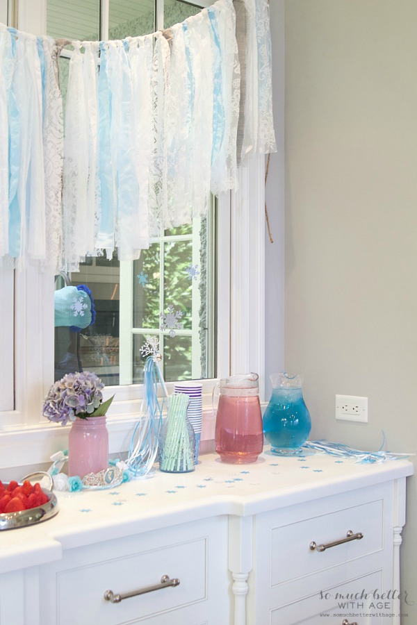 Elegant Frozen Birthday Party / pink and blue juice - So Much Better With Age