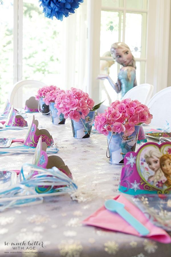 Elegant Frozen birthday party |somuchbetterwithage.com