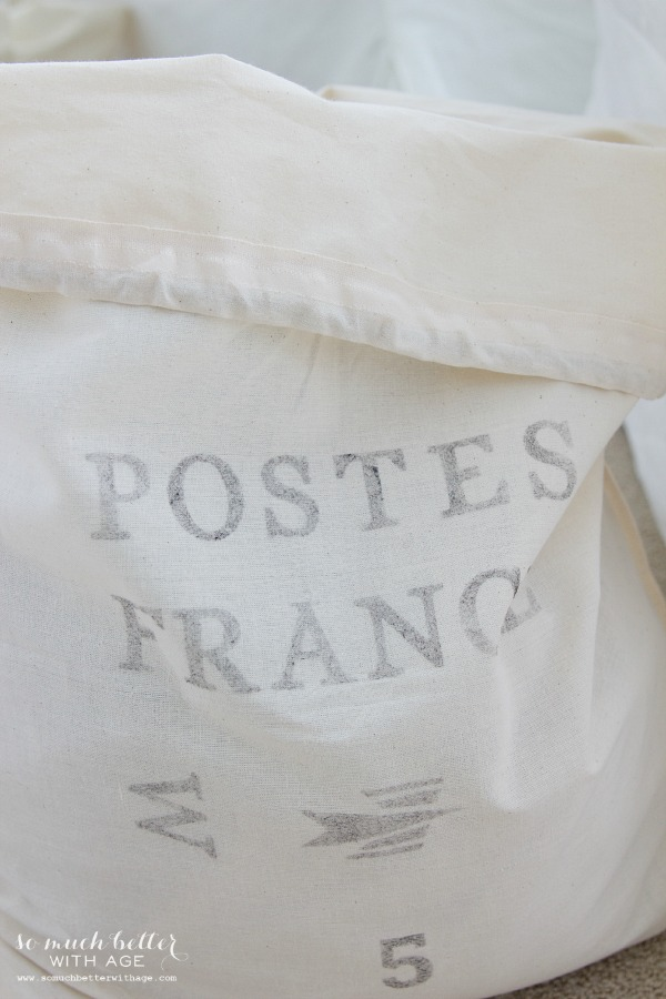 Posted France / French laundry bag | somuchbetterwithage.com