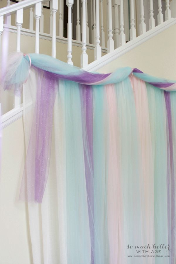 Frozen DIY photo backdrop / hanging the backdrop - So Much Better With Age