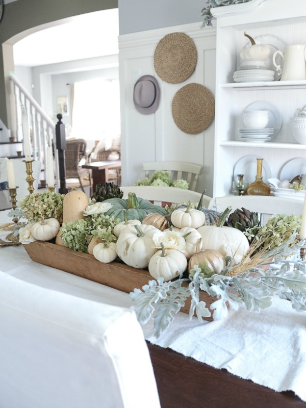 Craftberry Bush / Best neutral fall tours | somuchbetterwithage.com